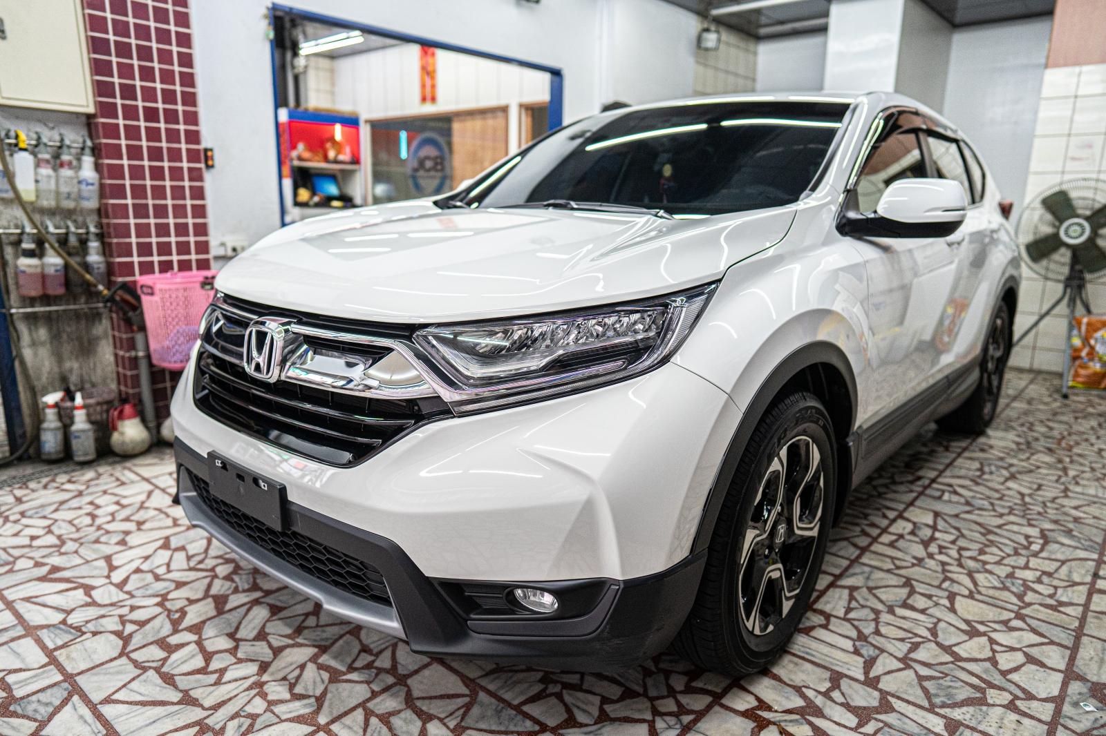 汽車保養。LCB龍興汽車美容工坊~年度保養就要找對中壢高品質的汽車鍍膜推薦