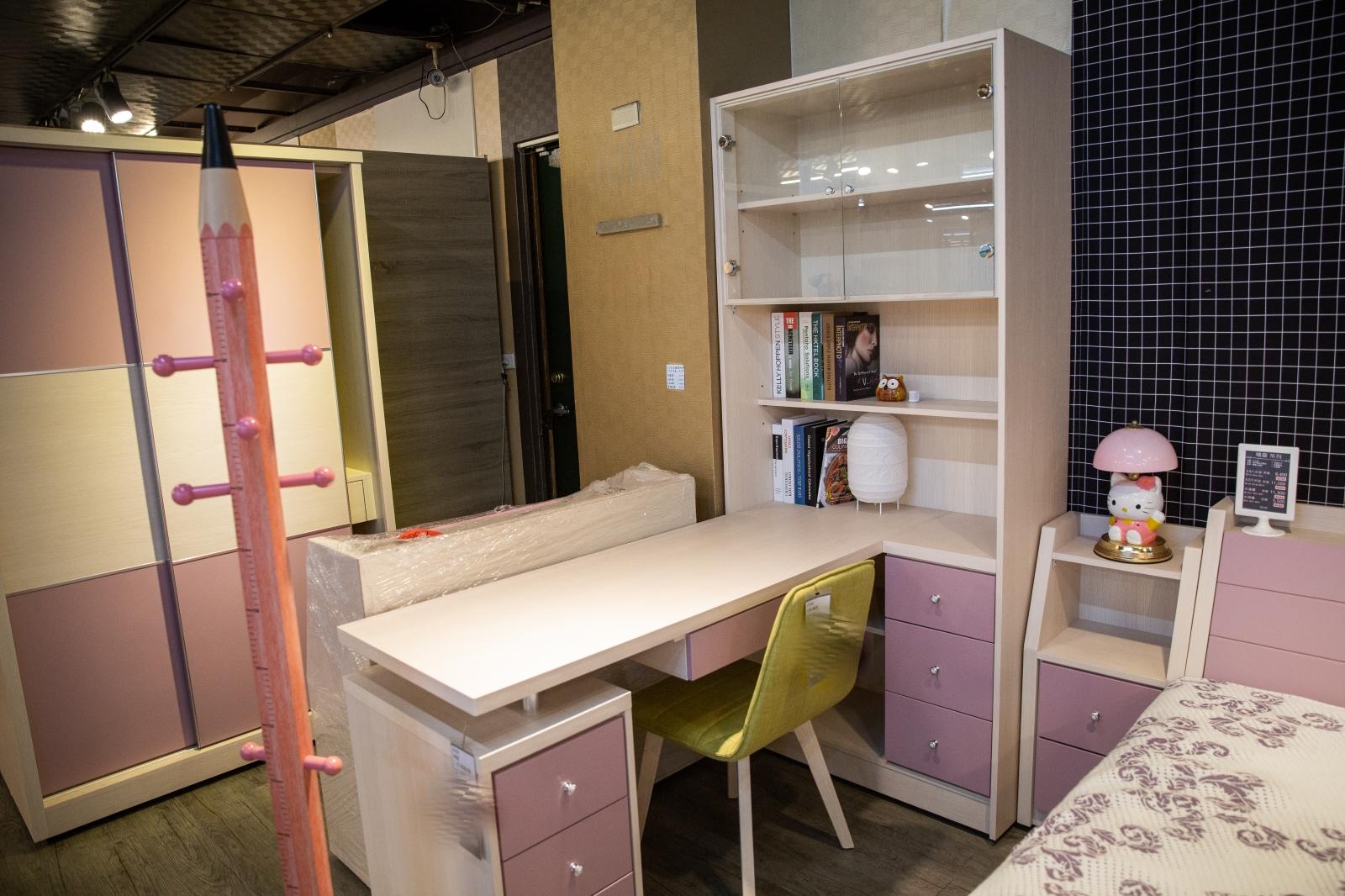 買傢俱首選『億家具批發倉庫』新莊店|限時6折優惠,傢俱項目齊全、MIT工廠直營生產品質看得見,新北家俱賣場推薦