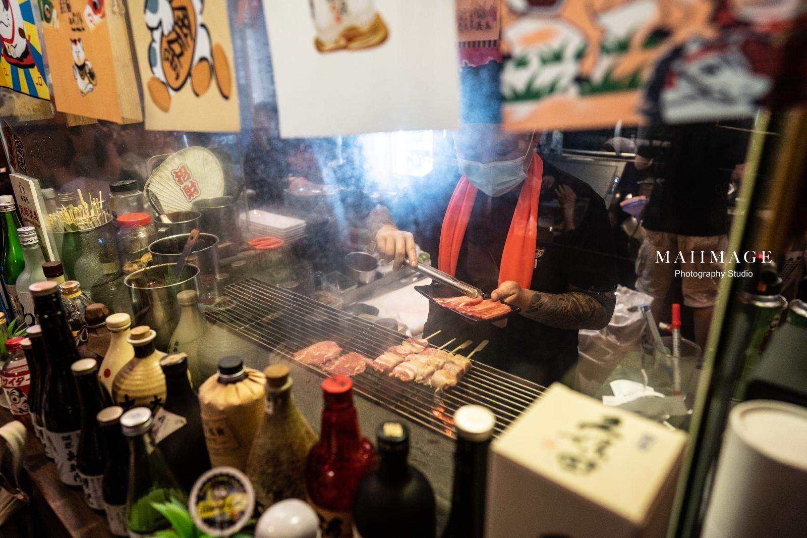 東區一位難求的居酒屋你吃過了嗎?『老炭伙串燒酒場』11年的經典重現|東區居酒屋懶人包