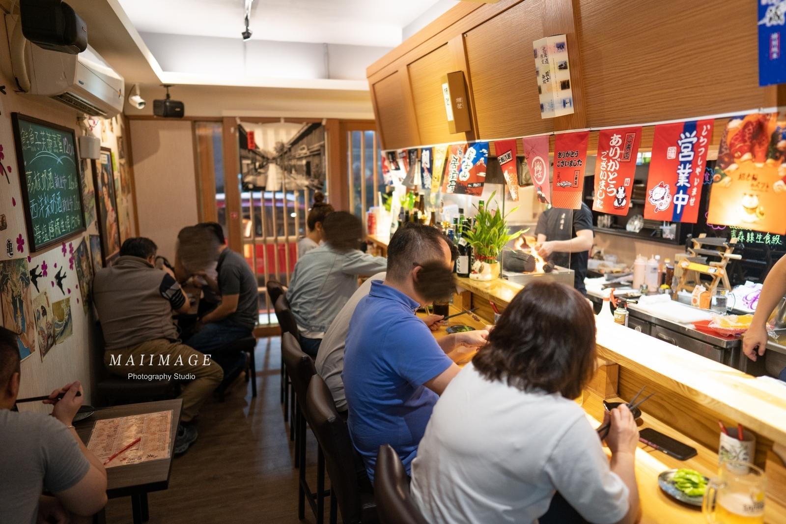 板橋板新捷運站旁巷弄裡的平價超人氣炭火居酒屋、店面不大一位難求,不訂位可是吃不到的|板新捷運站美食