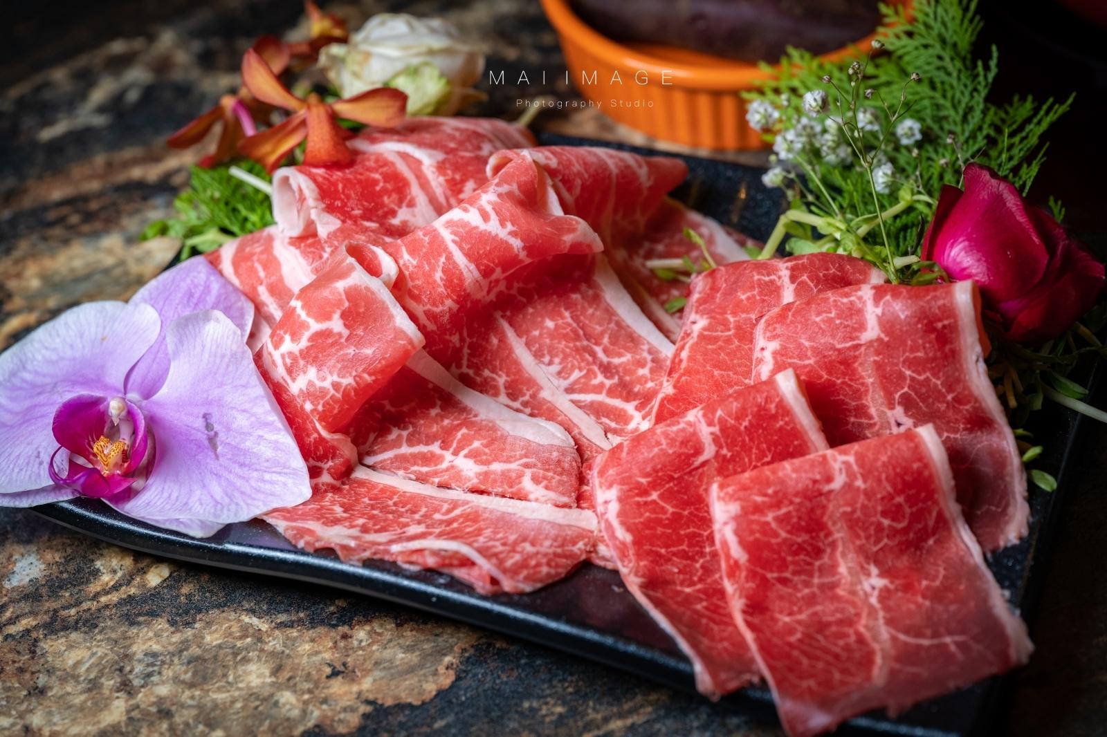 老闆虧大了,日本和牛吃到飽只要1388,這火鍋美到捨不得吃,台北必訪網紅火鍋店在民生東路開分店了!|台灣有機涮涮鍋