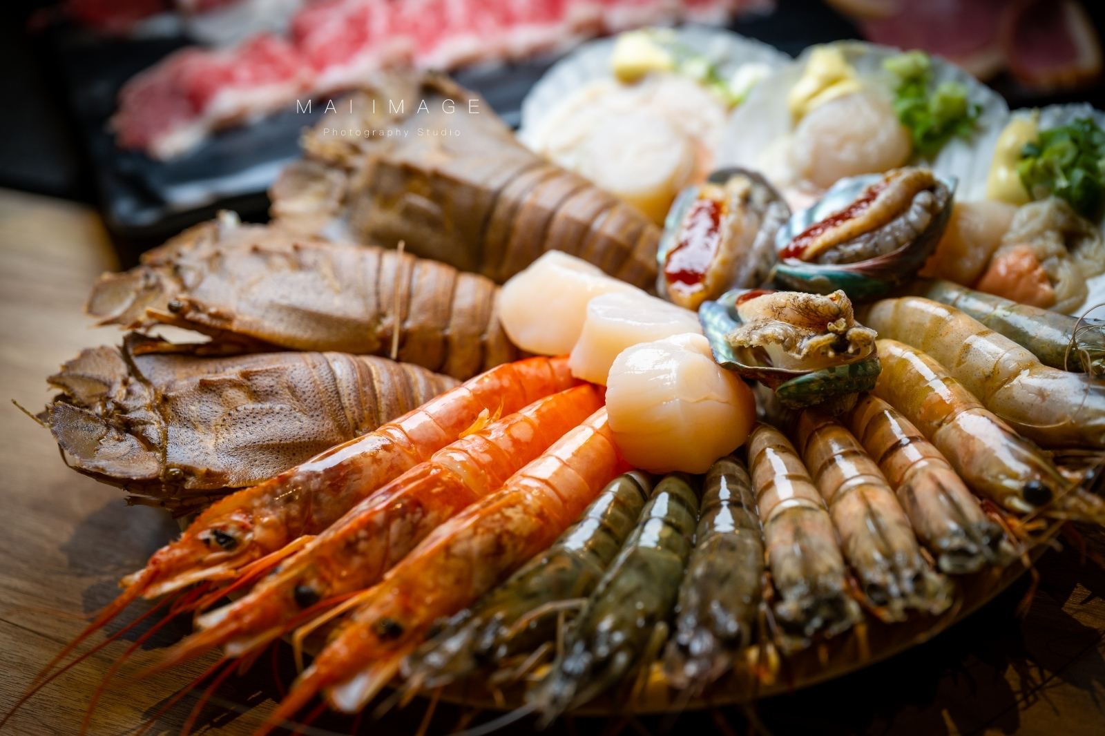 板橋最火紅吃到飽看過來~頂級日本和牛海鮮吃到爽、清涼生啤無限暢飲只要1399元|燒肉殿板橋店 /
