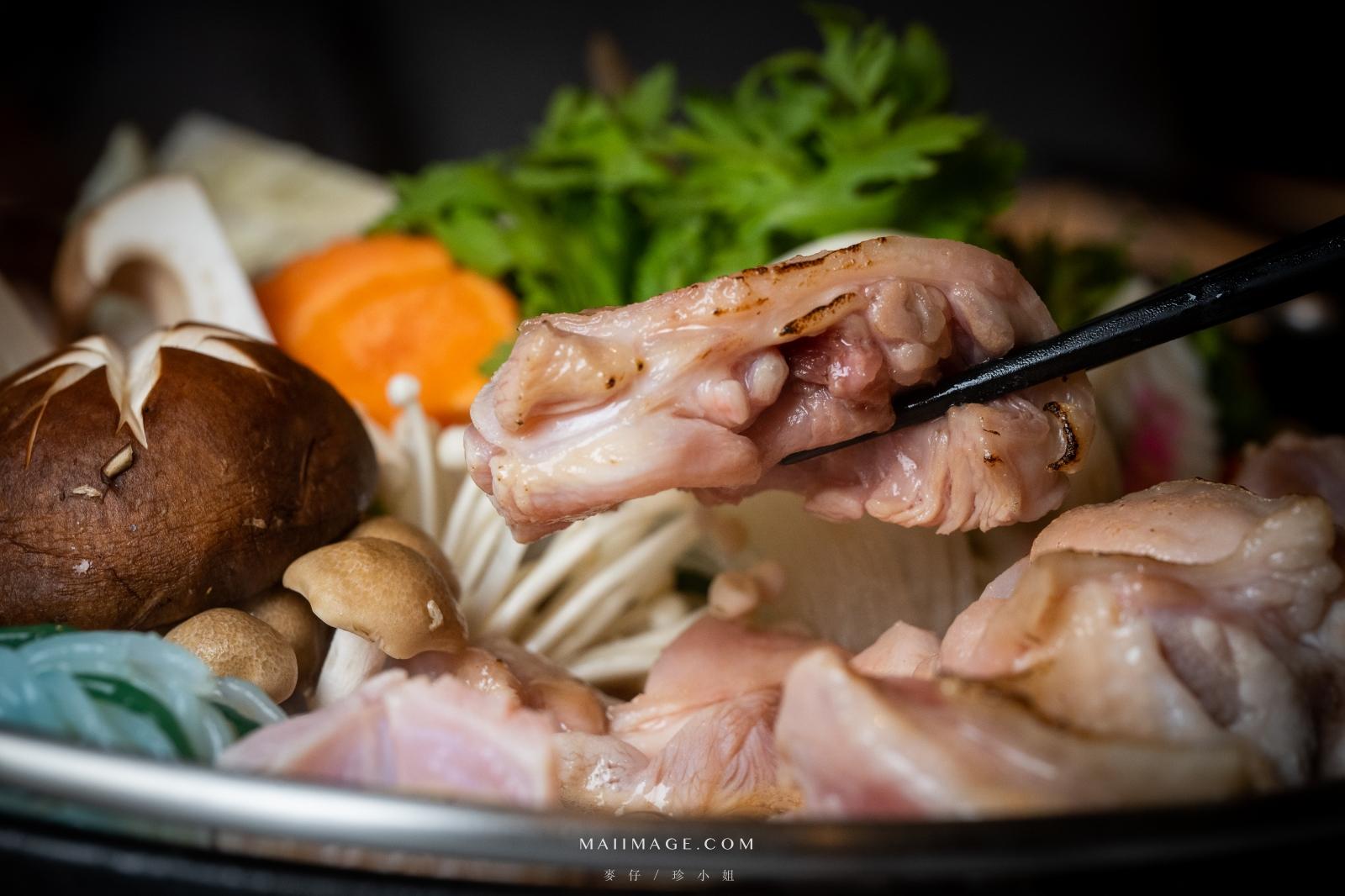 國宴雞入鍋~冬天必點桂丁壽喜鍋,全程頂級桌邊服務、老客人才知道的經典涮涮鍋|欣葉呷哺呷哺雙城店、台北鍋物推薦
