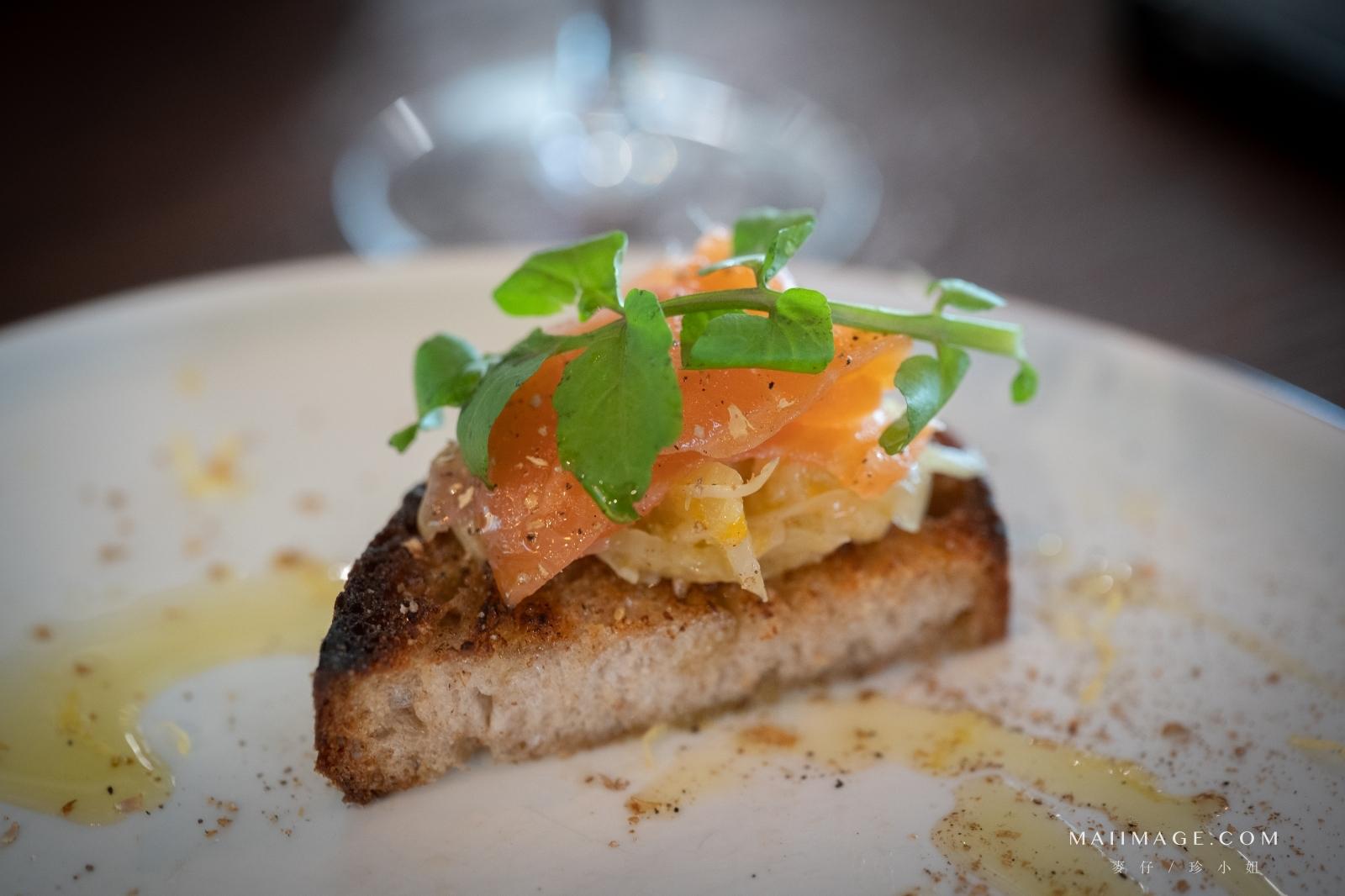 草頭西餐酒館|台北和平西路上的玻璃屋餐酒館、家常歐式料理、台北約會餐廳推薦