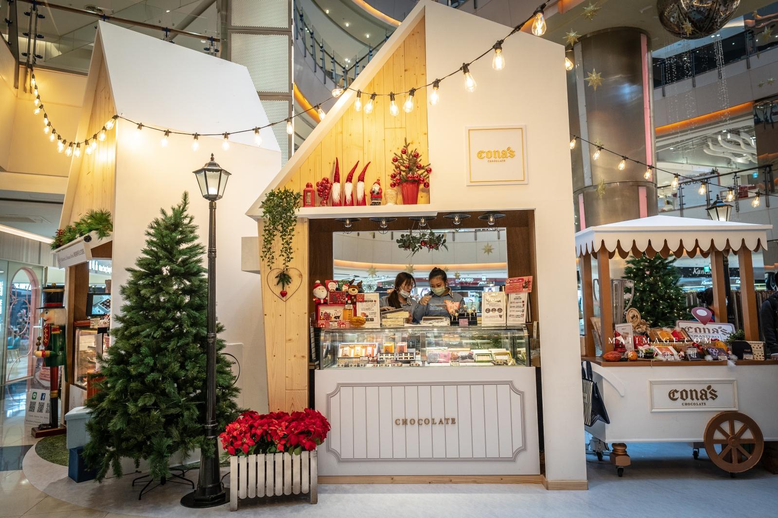 2020中壢大江購物中心『501號聖誕市集』、『北歐耶誕雪屋造景』挑戰最強偽出國打卡點,全桃園最大聖誕市集、最美室內聖誕市集、全桃最大聖誕市集、全桃園最大耶誕城、2020必敗購物中心