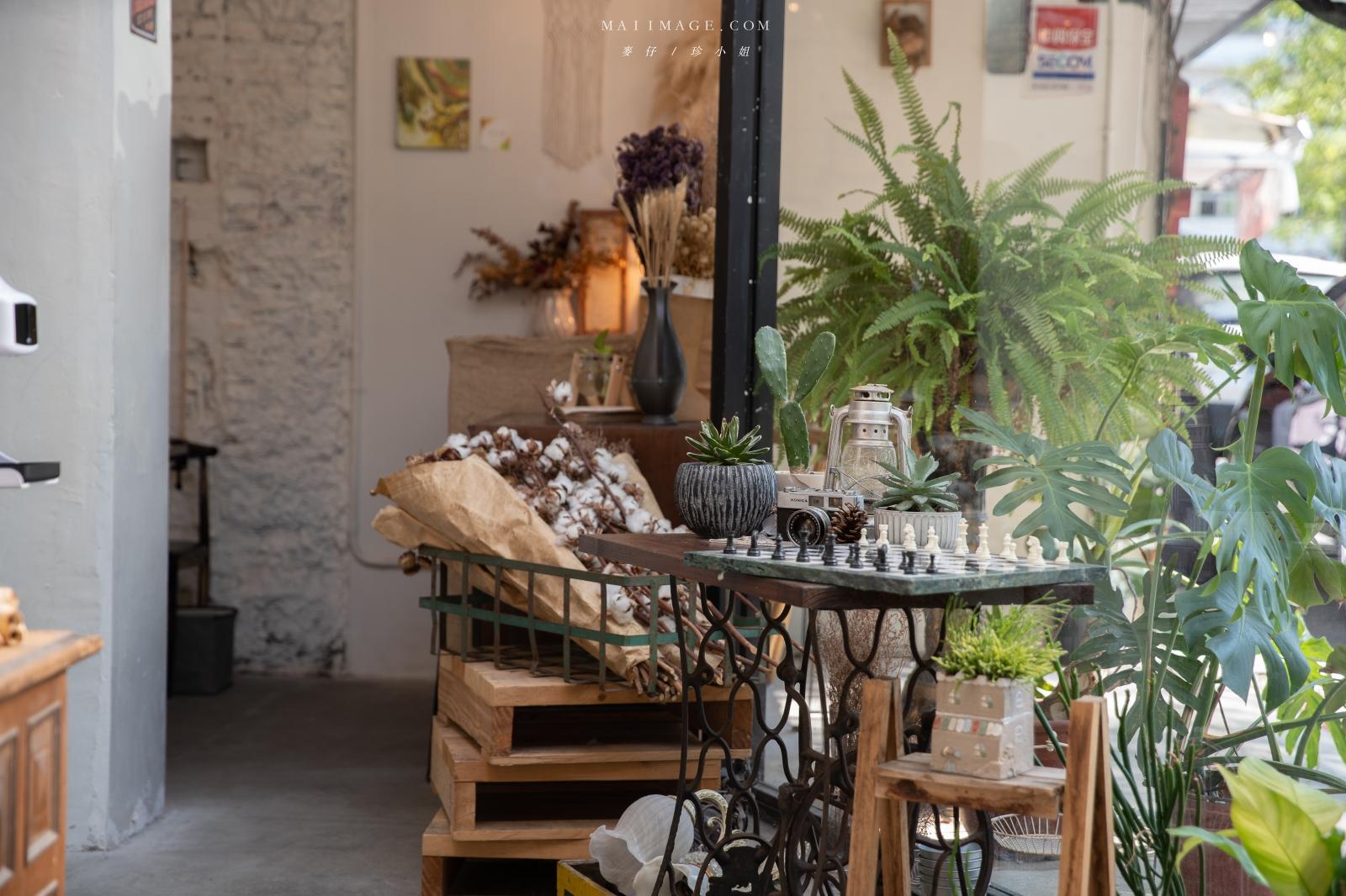 野草咖啡Green room Cafe~實踐大學旁森林系網美玻璃屋咖啡!超美的室內空間好好拍