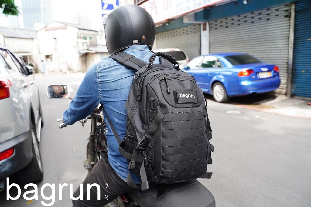 收納背包推薦~bagrun維京傘繩軍事風格後背包|帥氣粗獷風格強烈、13吋筆電3c產品輕鬆放