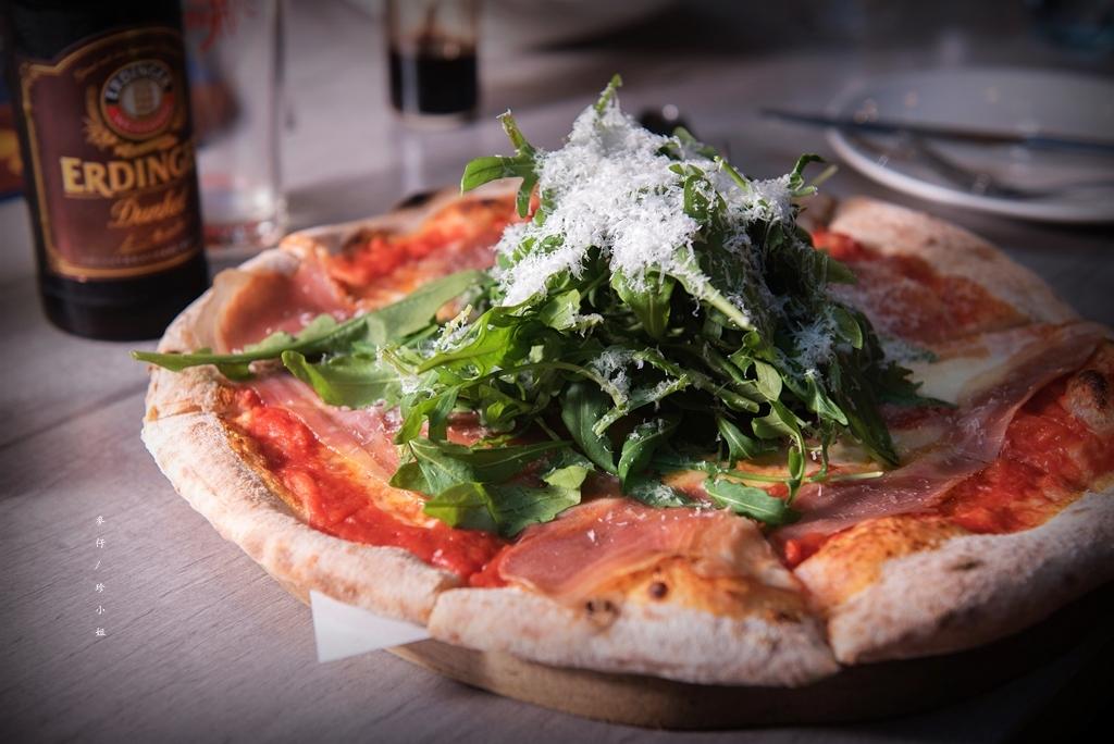 【天母美食】歐奇窯烤披薩Pizzeria Oggi~唯一經過義大利認證過的披薩料理|四人分享餐 x 精緻的柴燒美味地道披薩必點|天母SOGO美食