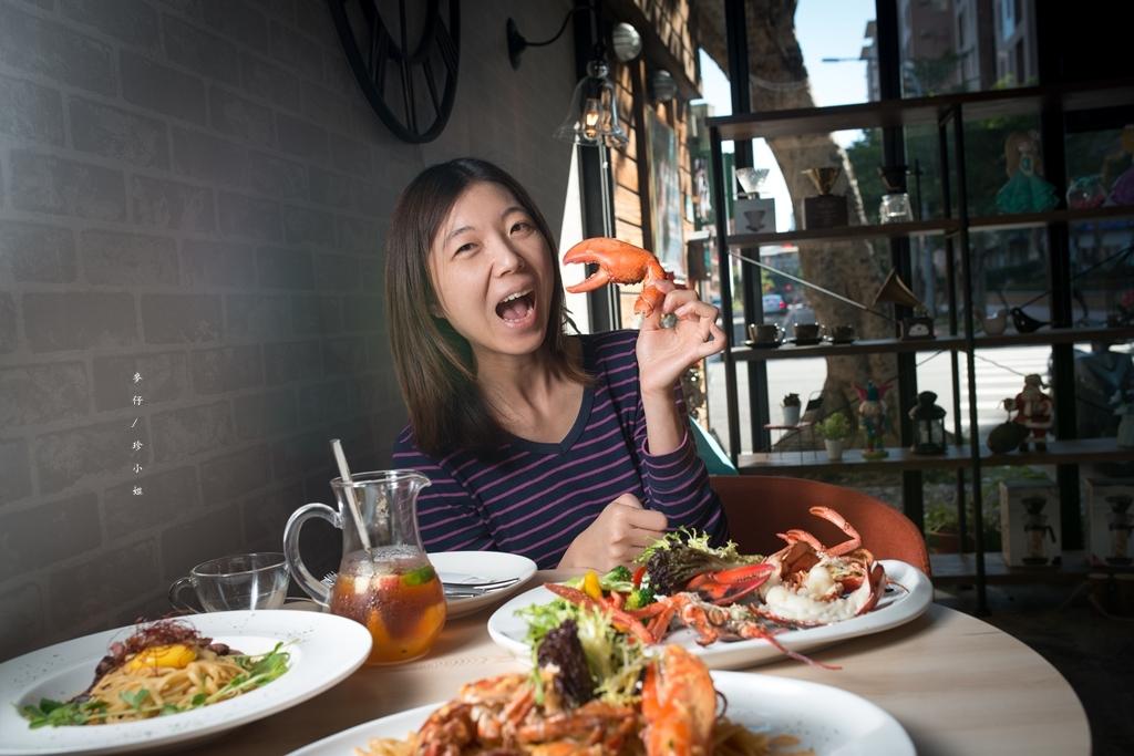 台北。美食|微笑餐桌Smile table|民生社區裡氣氛滿點親子約會餐廳|爐烤龍蝦 x 雷克雅維克龍蝦湯ㄌ x 16oz乾式熟成牛排必點