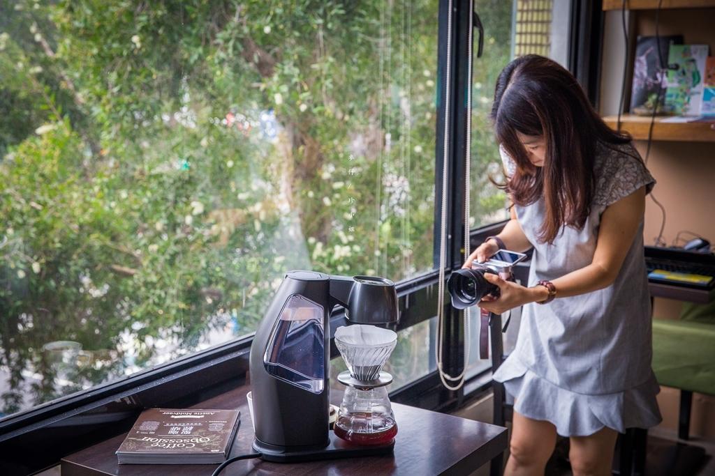 HIROIA SAMANTHA智慧型手沖咖啡機|結合HIROIA 雲端APP只要有『它』人人都是手沖咖啡大師|世界首款IOT智慧手沖咖啡機|