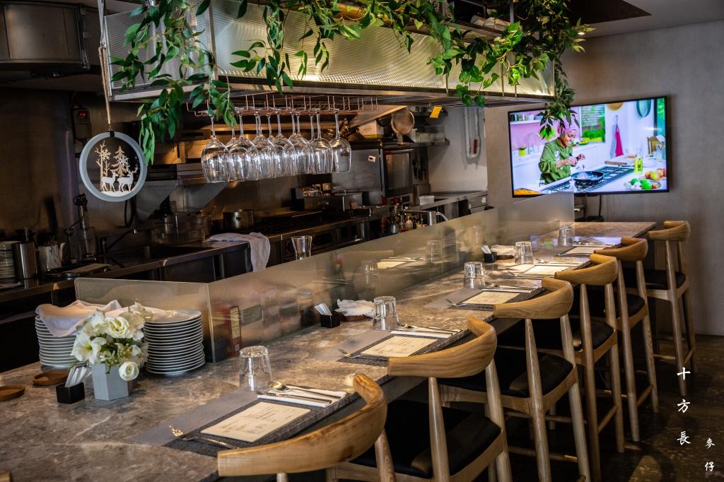 十方長私廚 Kitchen 10~巷弄私廚定義重新詮釋,經典油封鴨腿、羅尼亞牛排|捷運大安站美食