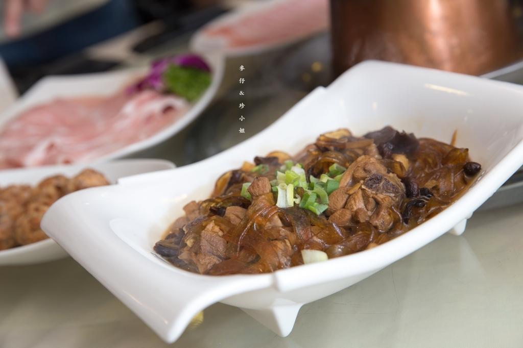 台北|東北軒酸菜白肉鍋|珍小姐的最愛~!來自哈爾濱的地道東北殺豬菜又出新菜色囉~|中山區火鍋美食推薦